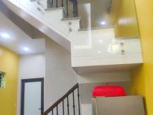 Bán nhà đường Ngô Quyền, TP HD, 52.1m2, 3 tầng, mt 4m, 3 ngủ, lô góc, đường ô tô