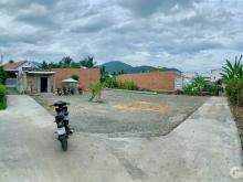 Lô góc ngay chợ Diên Điền thôn Trung