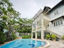 Bán villa Compound Thảo Điền, 2 mặt tiền, 700m2, nhà CỰC ĐẸP, hồ bới + sân vườn