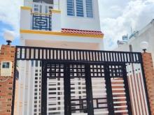 nhà mới xây ngay chân cầu vượt Linh Xuân đường 6m DT 72,3m2 4,5 tỷ