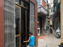 Cần bán nhà ở ngõ 254 Minh Khai, diện tích 32m2, sổ đỏ chính chủ