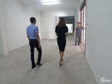 Cho thuê nhà xưởng 800m2, khu Công Nghiệp Tiên Sơn, trần thạch cao, giá rẻ.