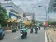 Nhà bán đường Nguyễn Văn Trỗi 8x25m 160m2. 6 lầu . Hợp đồng thuê: 250tr . Giá: 58 tỷ