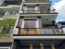 Cho thuê nhà HXH Thành Thái, P14, Q10. DT:4.3x15m 3 lầu sân thượng (6pn). Giá: 30 triệu