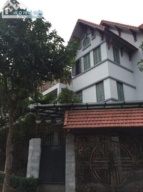 Cho thuê biệt thự vị trí BT07, BT08 làm văn phòng, công ty, sfa, cafe  tại KĐT Việt Hưng.