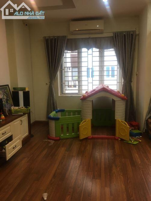 Cho thuê nhà liền kề khu đô thị Văn Khê, dt 85m x 4 tầng, mt 6m, nhà đẹp giá 16 triệu