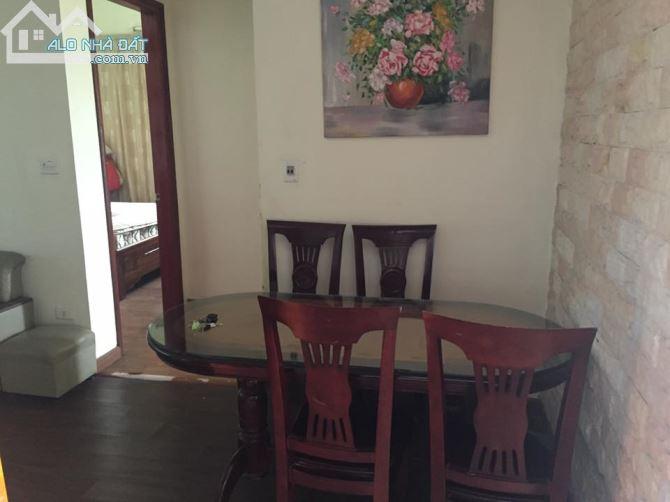 Cho thuê căn hộ chung cư đầy đủ đồ, đẹp, thoáng mát tại KĐT Việt Hưng, Long Biên. S: 100m2