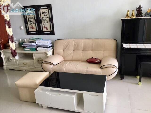 Cho thuê chung cư Hà Đô, quận Gò Vấp, 106m2, 3PN, đầy đủ nội thất, giá: 14tr/th.