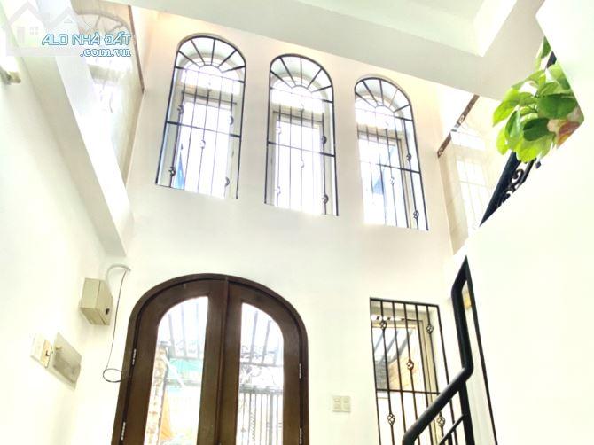 Bán Nhà Quận 10 Mới, Dtsd 105m2, 4 Lầu 2 P.Ngủ, Hẻm 4m Nguyễn Tri Phương