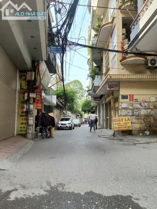 Nhà riêng C4 68m Km Đồng Giáp Bát Kinh Doanh gần ô tô tránh Hoàng Mai có 6.1 tỷ.
