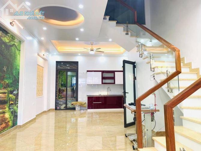 Siêu phẩm 4 tầng tđc Vinhomes Riverside, Hồng Bàng cực đẹp-giá cực rẻ-50m2-3,95 tỷ