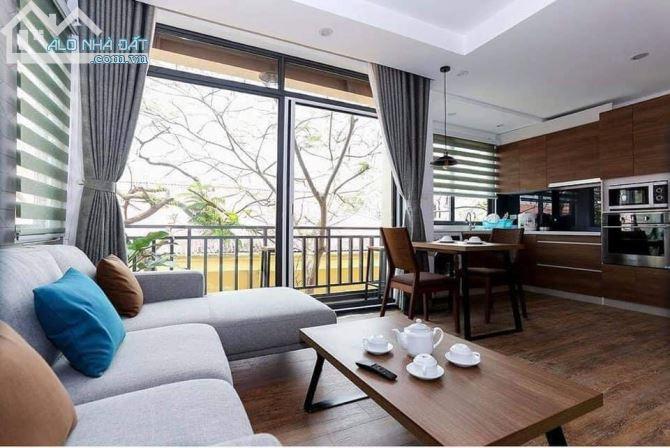 Nhà Nguyễn Khánh Toàn- phân lô- dt 84m2- thang máy 7 tầng- gara ô tô 7 chỗ . GIÁ 10 tỷ