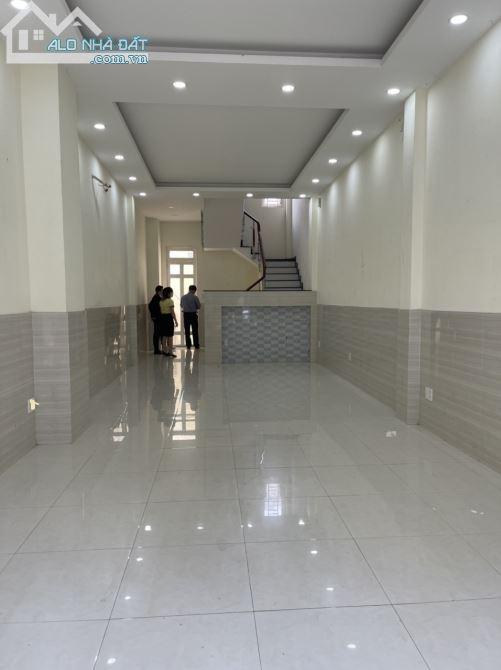 Nhà MTKD Lê Sát new 99%, 3L, ST, Full máy lạnh, giá 20TR