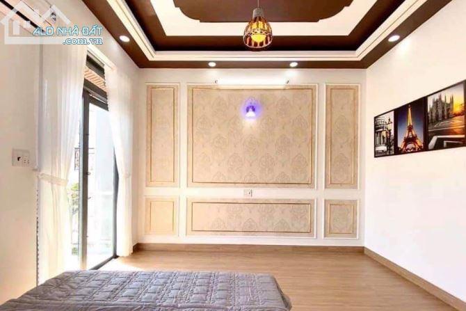 Bán nhà mặt tiền đường Nguyễn Thái Sơn, Gò Vấp, 92m2, 4 tầng, 23,5 tỷ