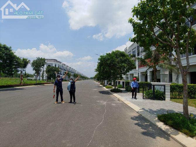 Bán nhà sát mặt tiền QL 13, đối diện KCN Chơn Thành, Bàu Bàng, Bình Dương, 5x25, 2 lầu