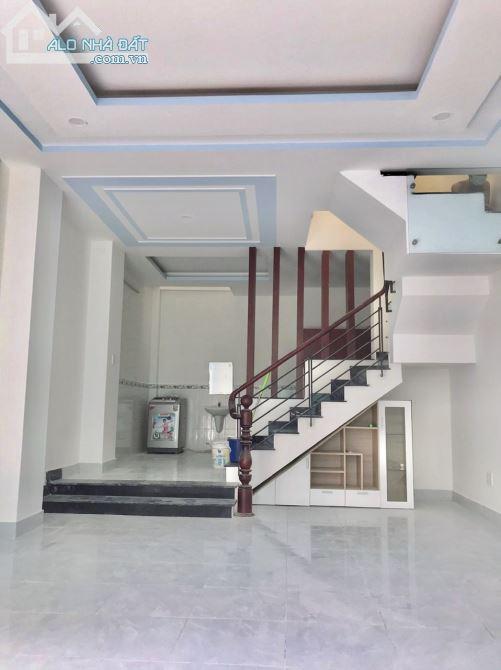 Nhà Thuê Hxh 76 Dương Cát Lợi Thị Trấn Nhà Bè - 4x13m + 1 Lầu + Nội Thất - Giá 6.5 tr