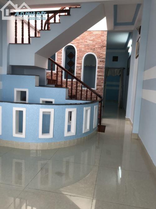 Nhà 1 trệt 2 lầu Khu D2D phường Thống Nhất, SHR thổ cư