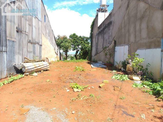 Bán lô 6x30m, 2 mặt tiền đường nhựa 6m, ngay khu dân cư bảo lộc, SHR giá 1,2tỉ